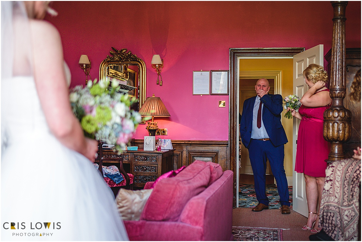 dad sees daughter in wedding dress