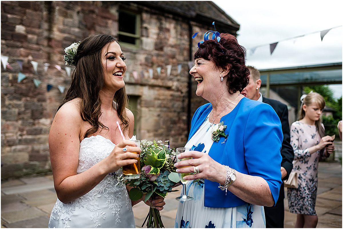 natural wedding photos at the ashes