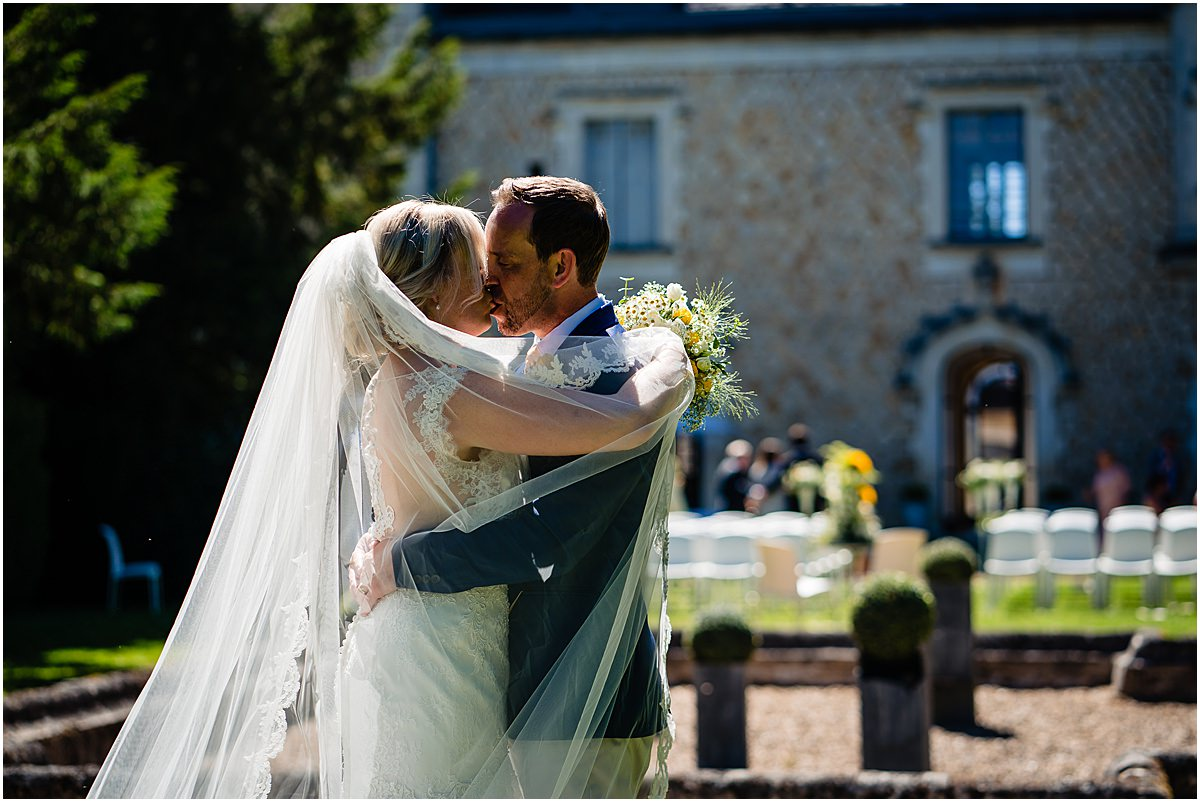 bride and groom photos at Chateau de la Couronne