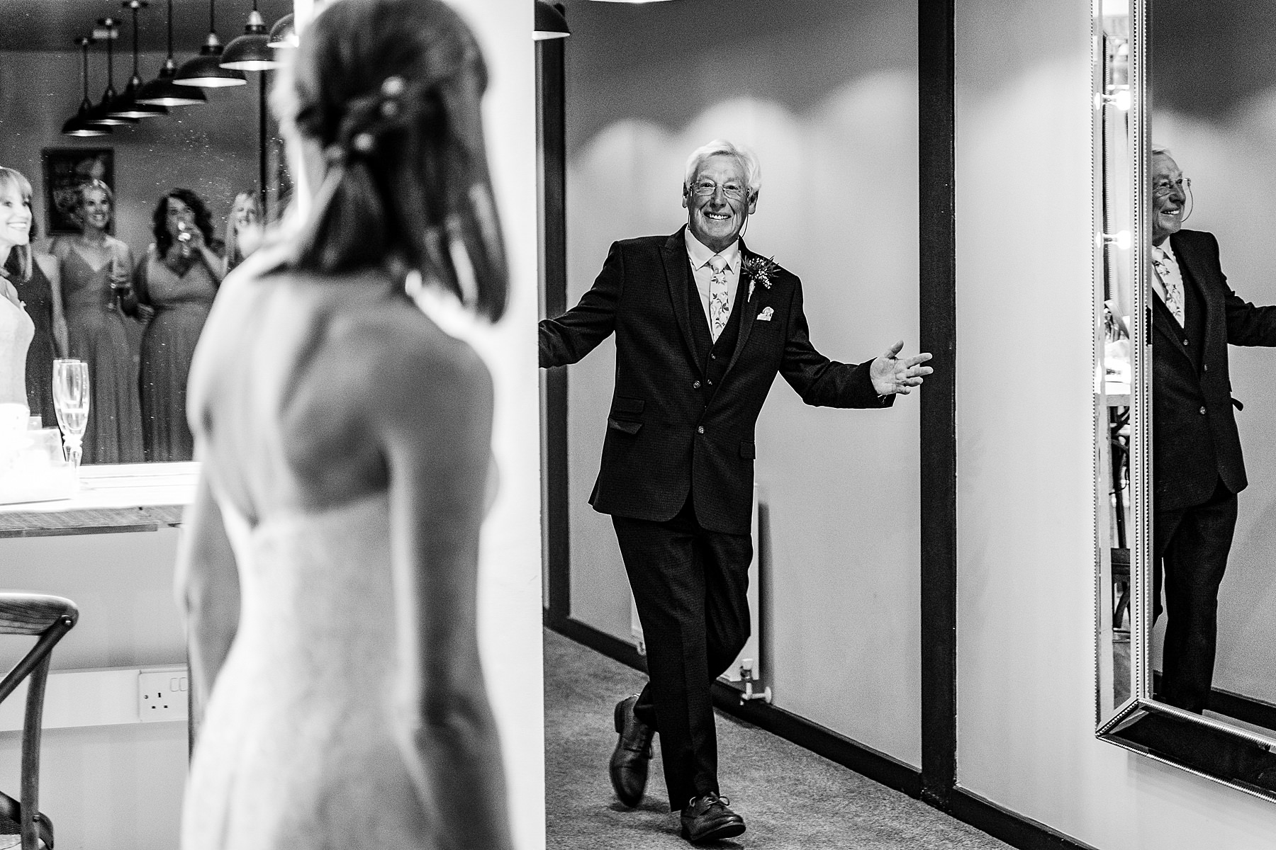 dad sees bride in dress for the first time