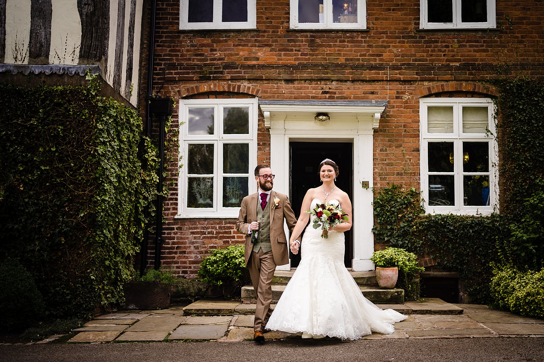natural wedding photography at the moat house