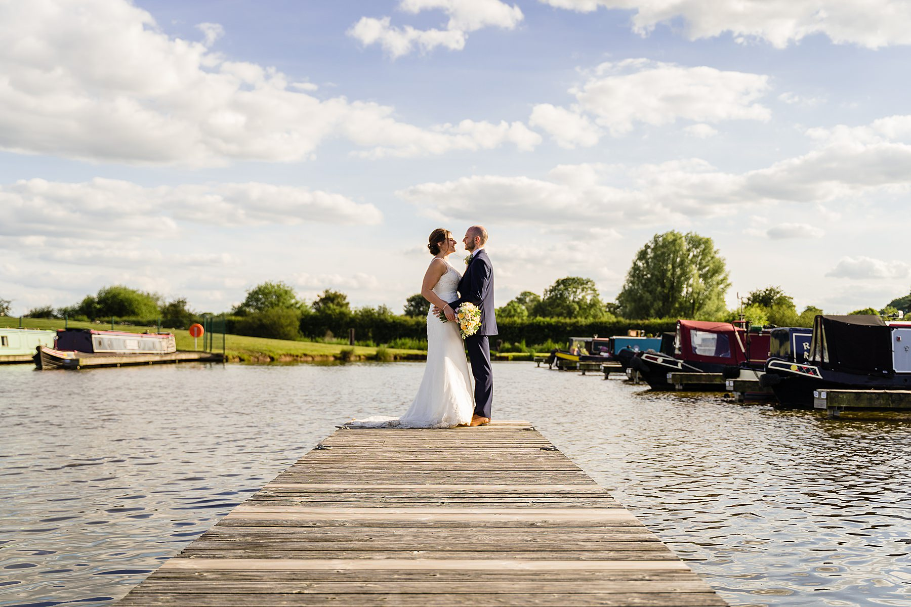 bride and groom photos at aston marina
