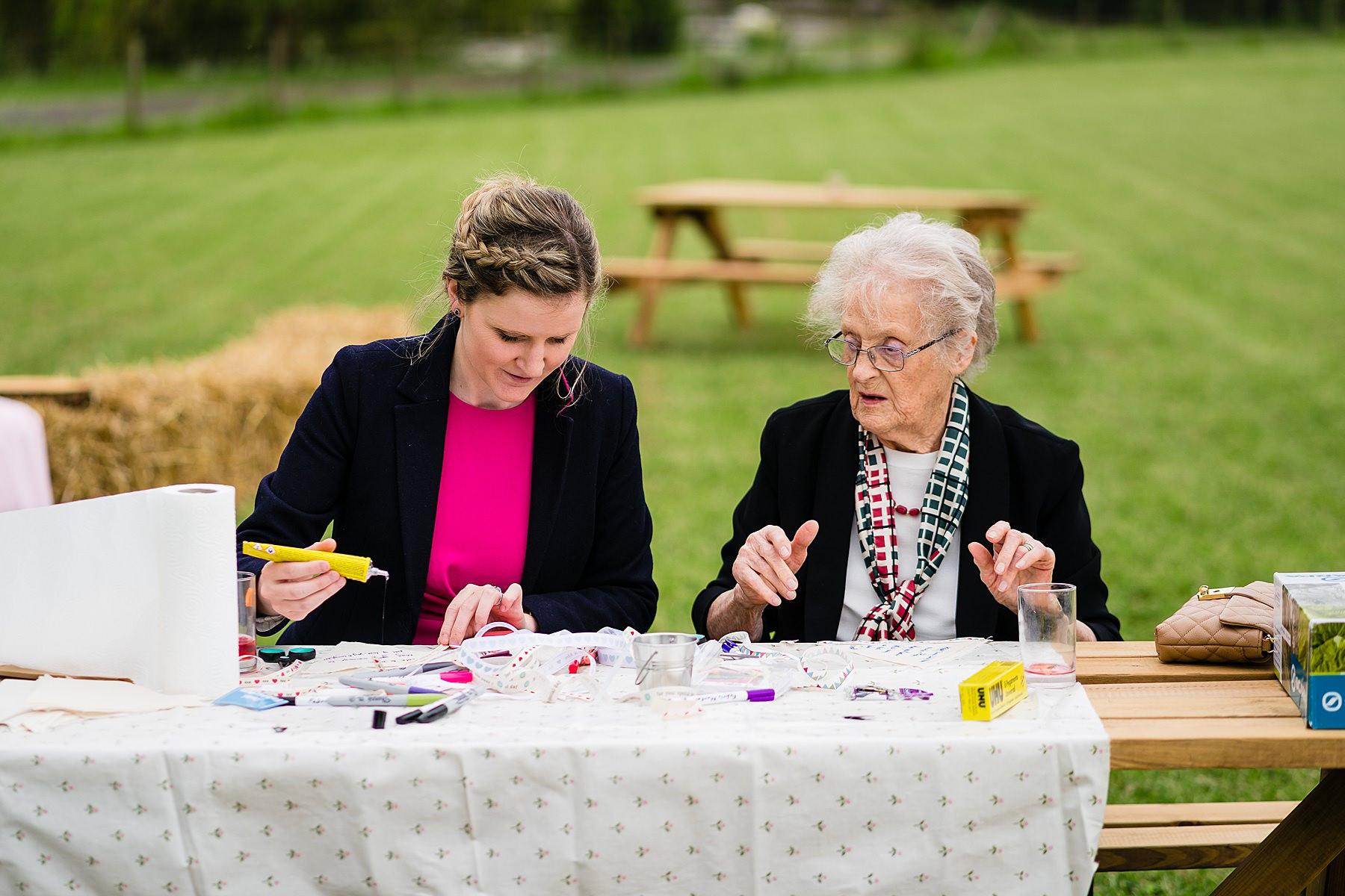 crafts at wedding