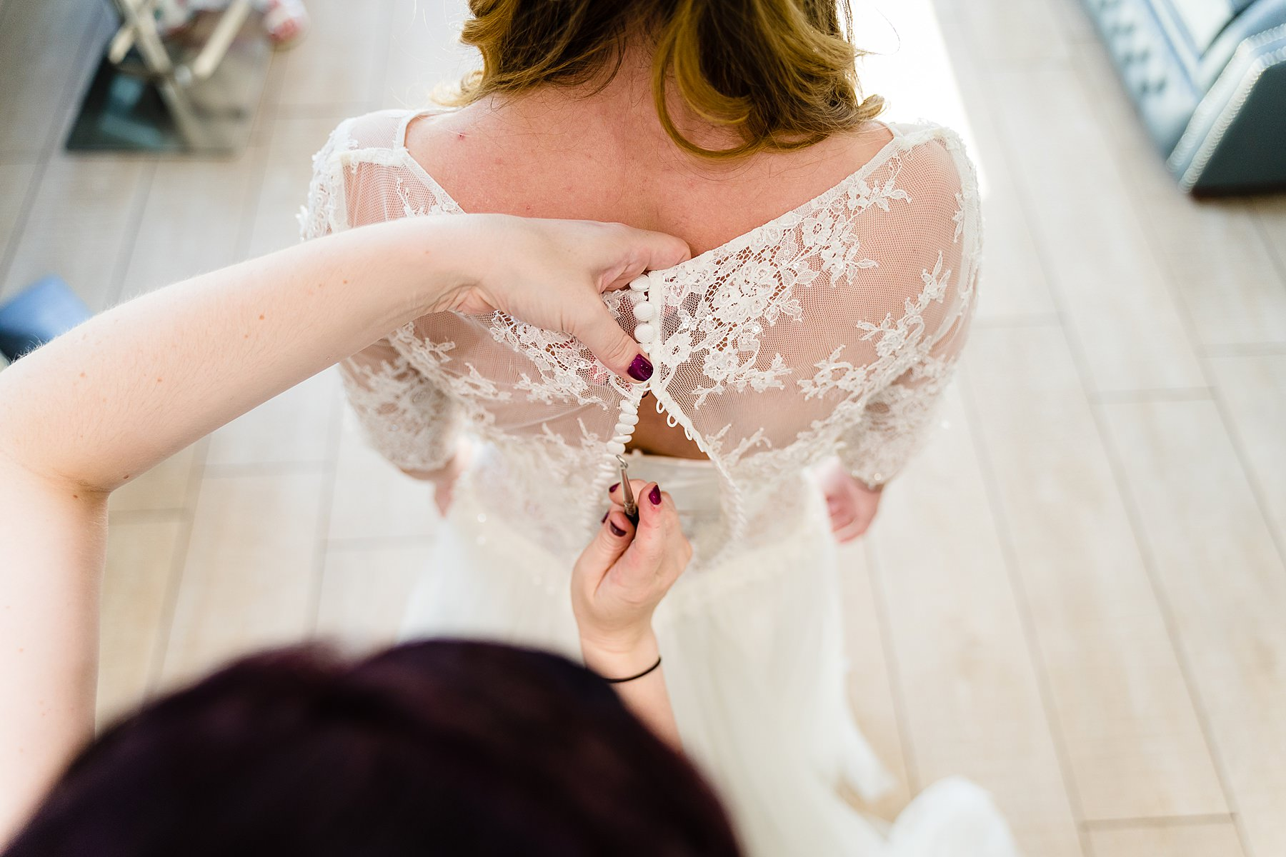 bridal prep at heaton house farm