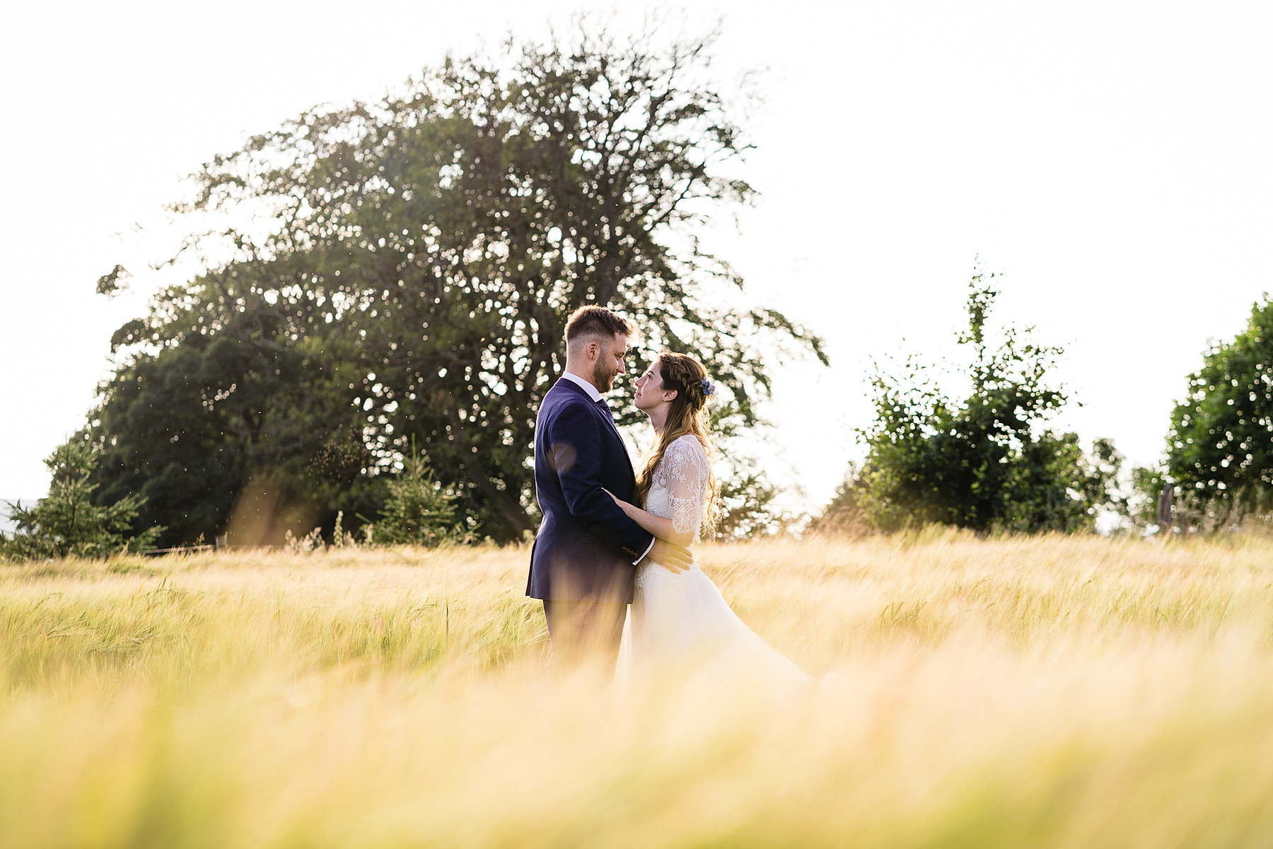 bride and groom evening portrais