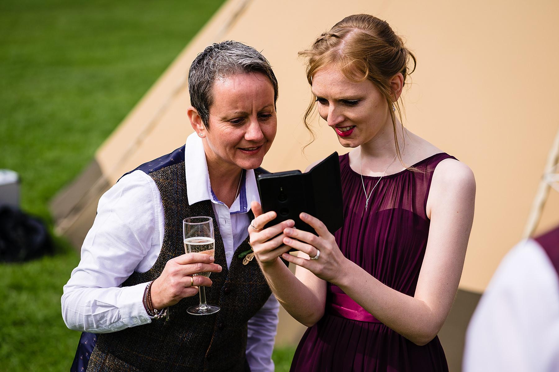 story telling wedding photos